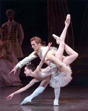 Fish dive from Sleeping Beauty, performed by Alexandra Ansanelli and Nilas Martins